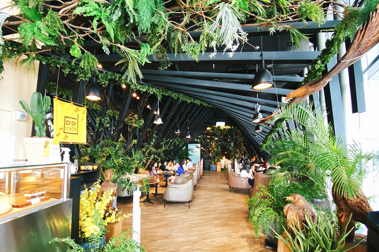 【新莊食記|D'or cafe兜咖啡】不限時森林咖啡館 / 三五好友暢聊好所在、高CP值甜點 / 近機捷新北產業園區站