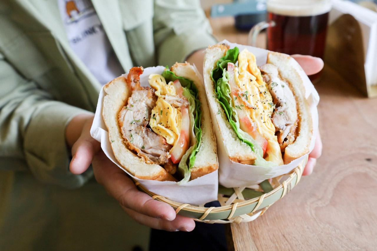 【台北早午餐。幸福的一天】從早餐開始,大口品嚐超厚實脆皮雞腿三明治/芋泥鹹蛋黃三明治/近南京三民站