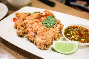 【新莊美食】在地人最愛,平價份量大!ByByThai泰式料理/必吃泰式椒麻雞、涼拌青木瓜