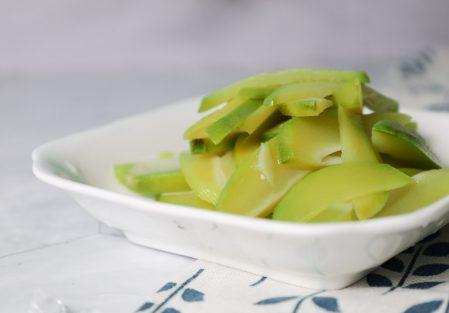 【簡單自製。情人果/青芒果】夏日必吃!酸甜透心涼的情人果,讓你一口接一口