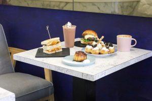 【Hoka Café】傳遞暖心美味給你!自家製人氣甜點「肉桂捲、麻糬鬆餅」/全新菜單「手工漢堡」/推薦澳洲小拿鐵、冰滴咖啡