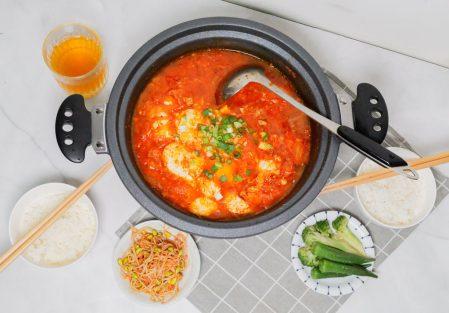 【韓式泡菜豆腐鍋】懶人料理,一鍋端上桌!大口品嚐泡菜辛香酸辣、豆腐軟嫩綿密